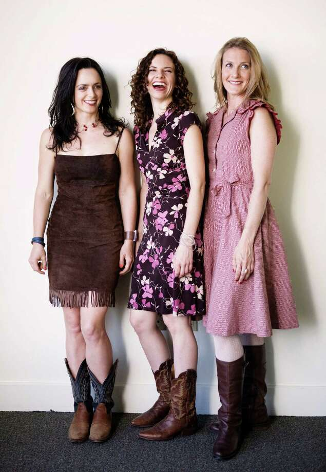 Molly Venter of New Haven, Abbie Gardner and Laurie MacAllister are known to fans around the world as the Americana trio Red Molly. They are scheduled to perform as part of the summer concert series at the Stamford, Conn.-based Bartlett Arboretum and Gardens, 151 Brookdale Road. They will play from 5 to 7 p.m., Sunday, July 21. Admission: $10 nonmembers; $5 members; free, children under 12. For more information, visit http://bartlettarboretum.org. Contributed photo/Annabel Braithwaite Photo: Contributed Photo / Stamford Advocate Contributed
