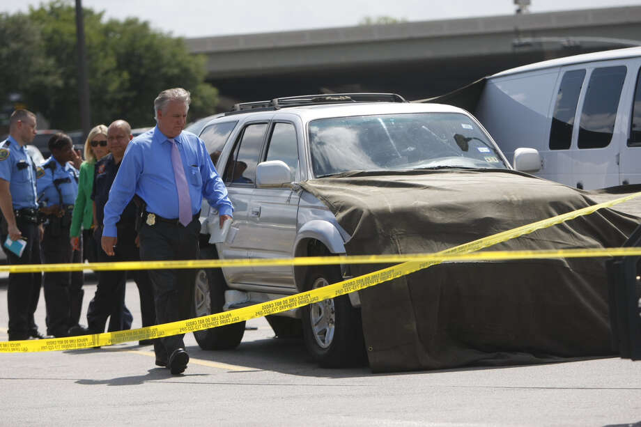 One man was killed after a shooting near a grocery store in northeast Houston Thursday morning, July 11,2013. (Cody Duty/ Houston Chronicle)