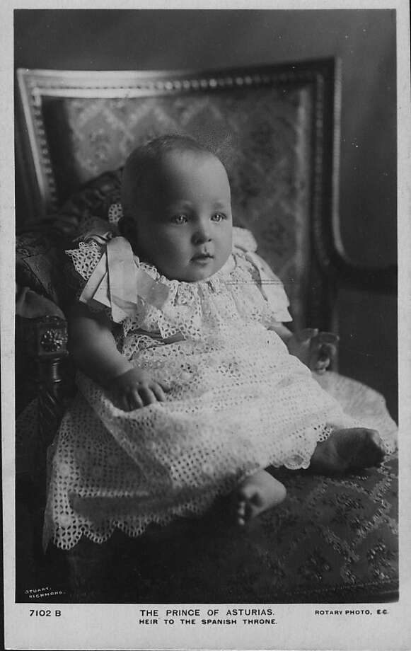 Alfonso, Prince of Asturias, (1907 - 1938), the son of King Alfonso XIII and Queen Victoria Eugenie of Spain, and heir to the Spanish throne, at the age of 4 months on December 1, 1907. Photo: Hulton Archive