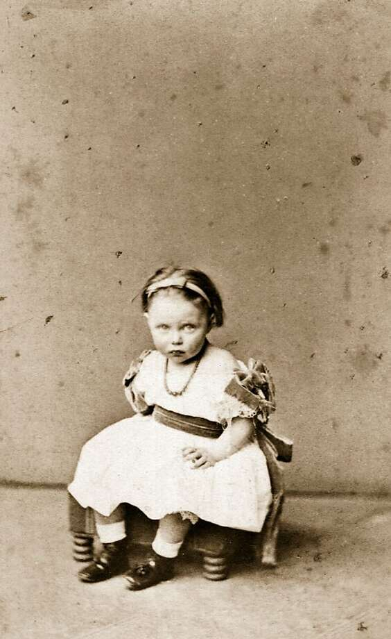 Princess Elisabeth Alexandra Maria Charlotte Luise von Hesse-Cassel (1861 - 1955), daughter of Landgrave Friedrich of Hesse, as a very young child circa 1862. Photo: Hulton Archive