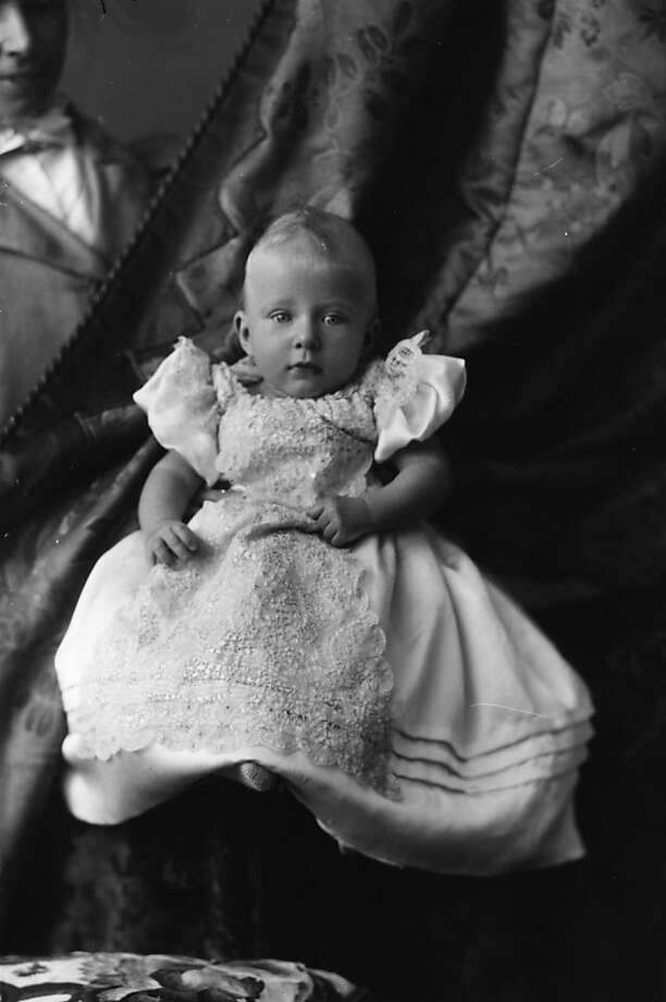 Princess Royal Victoria Alexandra Alice Mary (1897 - 1965), only daughter of George V,  later Countess of Harewood, circa 1898. Photo: Hulton Archive