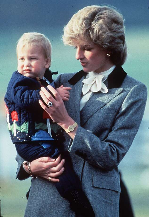 Diana, Princess of Wales arrives with baby Prince William at Aberdeen airport on October 24, 1983 in Aberdeen, Scotland.  Photo: Anwar Hussein, Getty Images