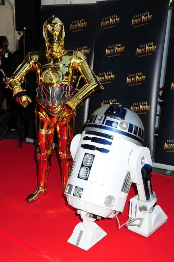 Robots C3-P0 and R2-D2 became popular characters in the Star Wars films. Photo: Foc Kan, WireImage / 2010 FocKan