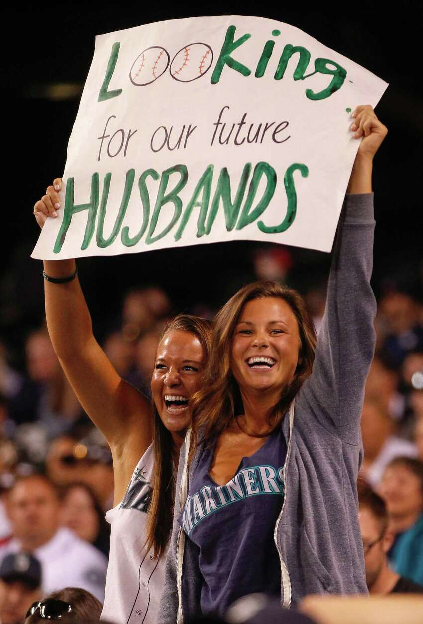 Miss CougarLife's top 10 hottest Mariners 'cubs' Seattlepi.com columnist Jim Moore set aside his journalistic instincts and called up Marlo Jordan, who was recently named Miss CougarLife for the dating website CougarLife.com, to ask about her choices for the top 10 hottest Mariners. Moore figured Jordan's experiences as an older woman seeking younger men -- a