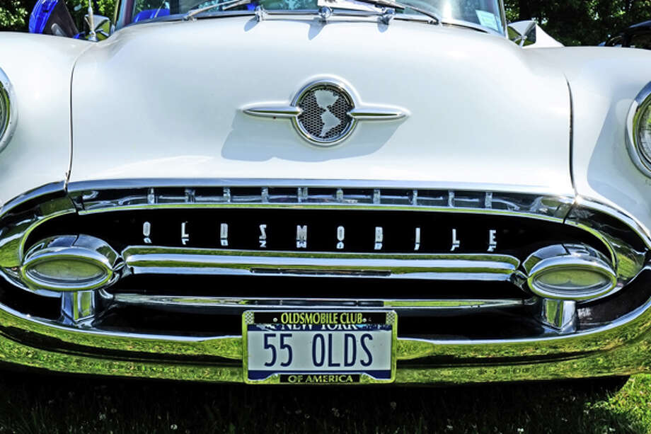 Olds was sitting in fifth in model year production in '55; just ahead of Pontiac, well behind Plymouth. / copyright: Dan Lyons - 2013