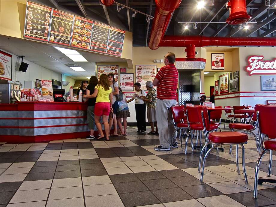 Restaurant: Freddy's Frozen Custard & SteakburgersRating: 7.7 out of 10