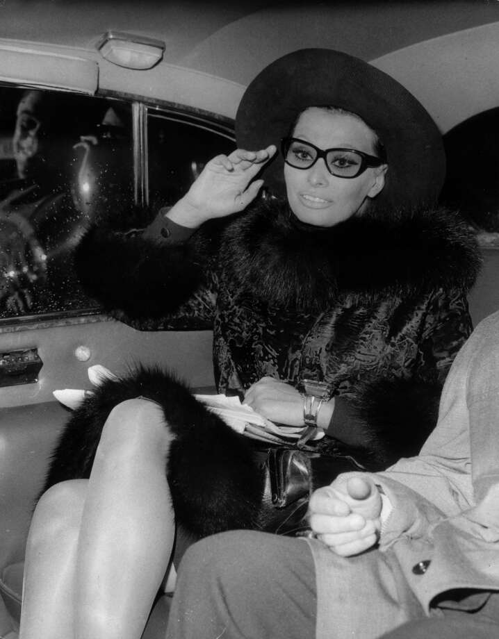 Loren in London pictured on November 1st, 1965.