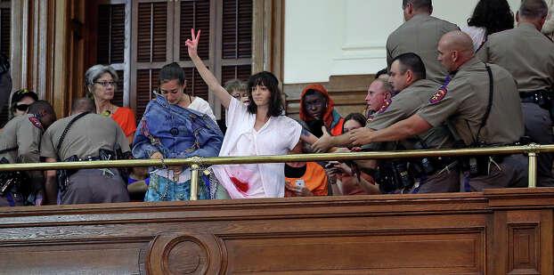 Senate debates passage of abortion legislation on July 12, 2013. Photo: Tom Reel, San Antonio Express-News