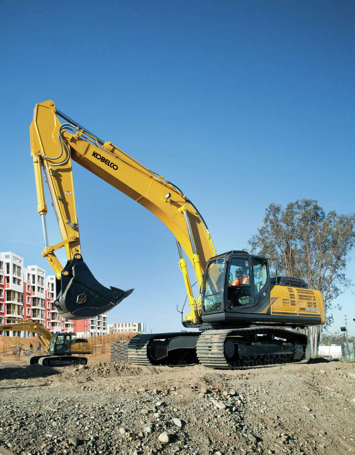 The Kobelco SK350 is one of the midrange models of excavators offered by Kobelco Construction Machinery USA.