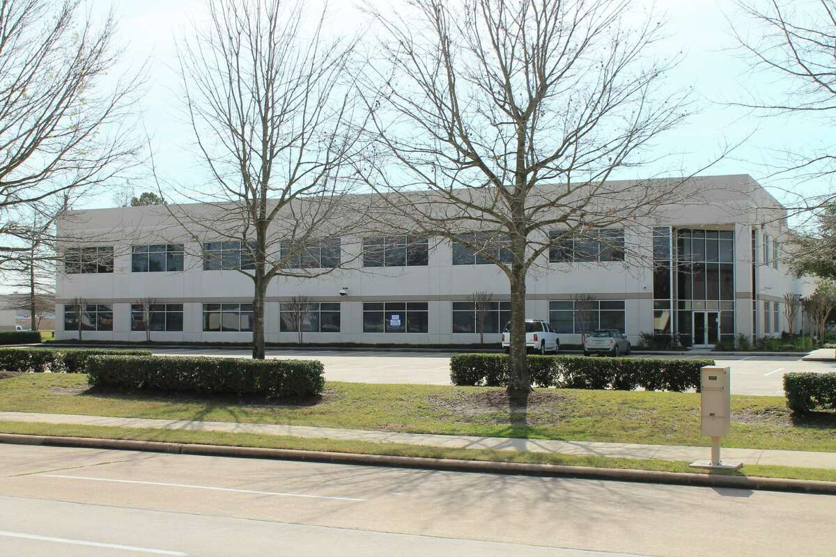 Kobelco Construction Machinery USA opened at 4690 World Houston Parkway near Bush Intercontinental Airport while a headquarters facility is built in the Katy area. The company makes a full range of crawler excavators and distributes products throughout North America.
