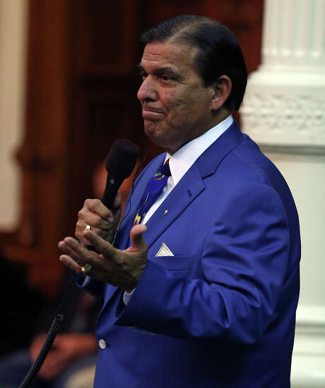Senator Eddie Lucio (D-Brownsville) as the Senate debates passage of abortion legislation on July 12, 2013. Photo: TOM REEL