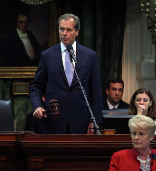Lt. Governor David Dewhurst gavels in the bill as the Senate passes abortion legislation on July 12, 2013. Photo: TOM REEL, San Antonio Express-News / San Antonio Express-News