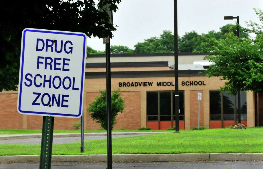 A sign announces a drug free school zone outside Broadview Middle School in Danbury, Conn. Saturday, July 13, 2013. Photo: Michael Duffy / The News-Times