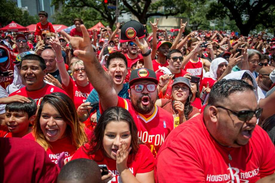 Rockets fans cheer as Dwight Howard is introduced as the newest member of the team. Photo: Smiley N. Pool, Houston Chronicle