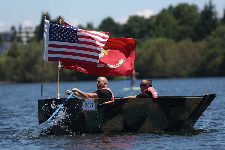 Members of the U.S. Marines entry paddle. Photo: JOSHUA TRUJILLO, SEATTLEPI.COM