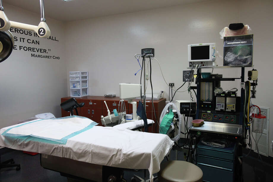 The operating room at Whole Women's Surgical Center in San Antonio is a sterile, hospital-like environment on Thursday, July 11, 2013. This location is the only licensed ambulatory surgical center in San Antonio, with one of their regular abortion clinics located in the same office complex. Photo: Abbey Oldham, San Antonio Express-News / © San Antonio Express-News