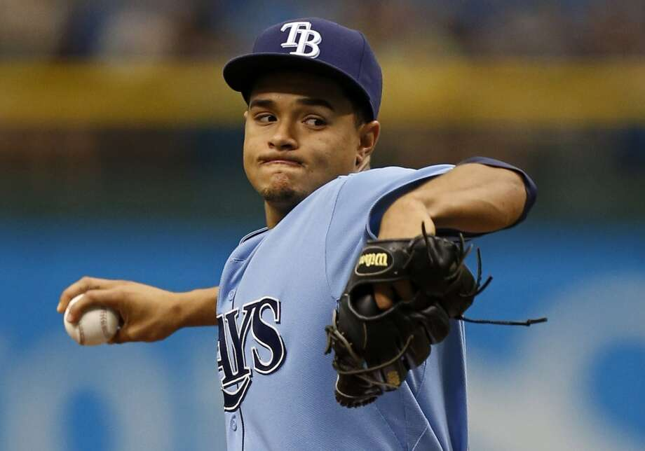 Rays pitcher Chris Archer pitches to the Astros.