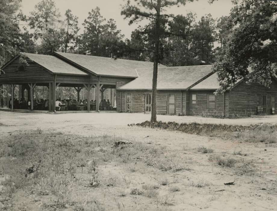 The dining pavilion at Boy Scout camp, Camp Strake in May 1950. Photo: Houston Chronicle