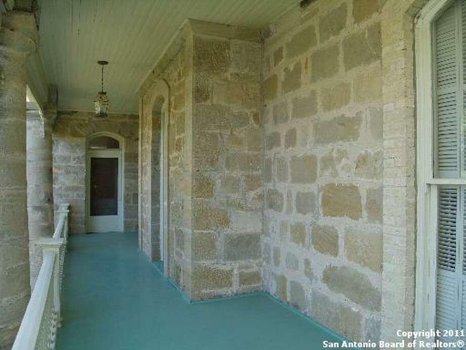 820 St. Louis St, Gonzales, TX Photo: San Antonio Board Of Realtors