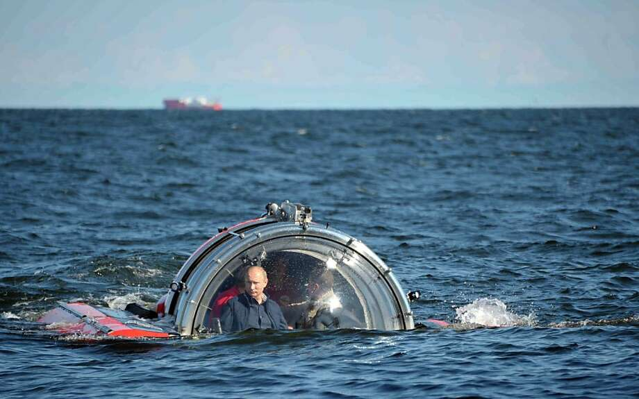 From Russia with sub:Vladimir Putin descends aboard Sea Explorer 5 bathyscaphe near the 