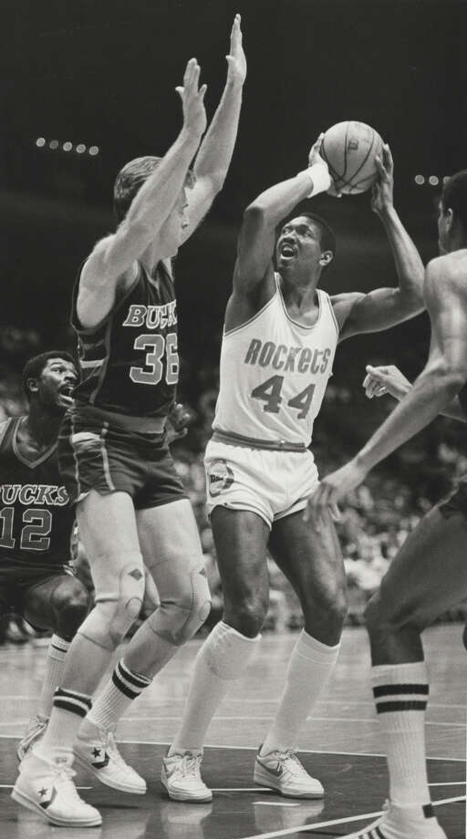 44 - Elvin Hayes The Hall of Famer started his career with the San Diego Rockets and finished his career with three seasons in Houston, averaging 20.6 points and 12.1 rebounds in seven years with the franchise. Photo: Larry Reese, Houston Chronicle / Houston Chronicle