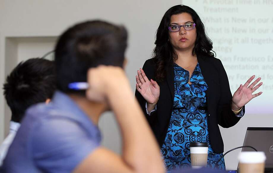 Dr. Moupali Das delivers a lecture to the interns working in the S.F. Department of Public Health HIV program. Photo: Lance Iversen, The Chronicle
