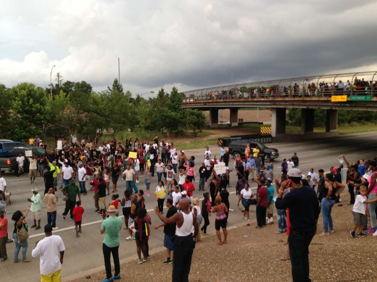 Protesters block Texas 288 in Houston on Monday. (Mike Glenn/Chronicle)