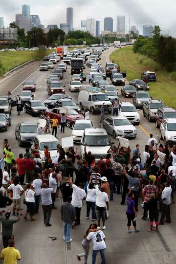 Protesters In Zimmerman Trial Block Traffic On Houston Highway Houstonchronicle Com
