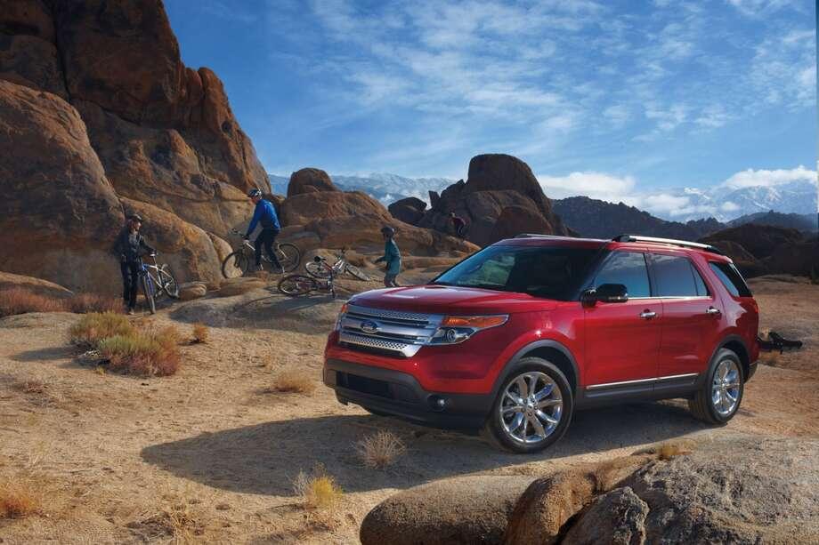 Worst: Ford Explorer XLT  Base price: $29,100 - $40,780