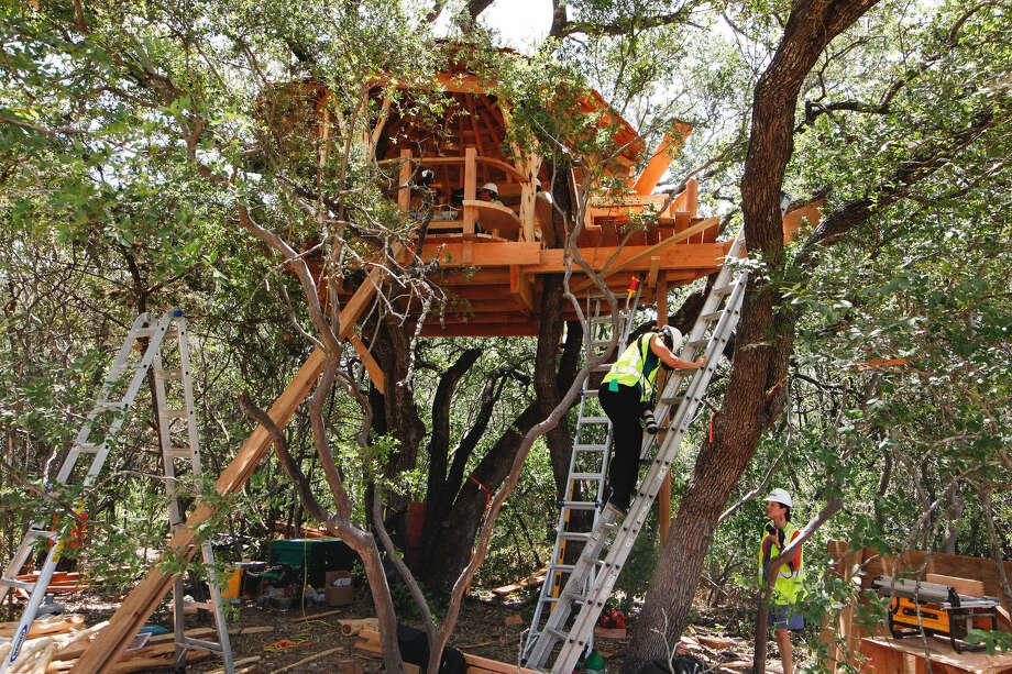 Work continues June 25 on the Anne Frank Inspire Academy's treehouse near Helotes. It will provide students with one of the school's eight outdoor learning spaces. Photo: Marvin Pfeiffer / Northwest Weekly