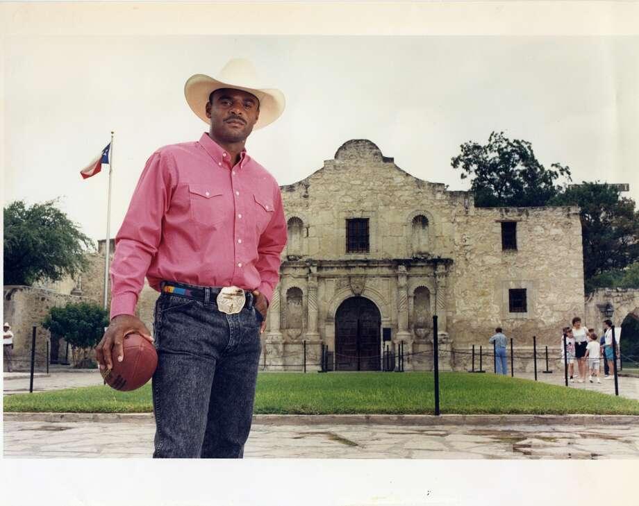 Houston Oilers quarterback Warren Moon at the Alamo in San Antonio.
