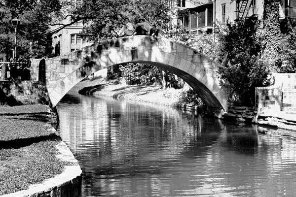 Bridge over San Antonio River on Jan. 1, 1942.