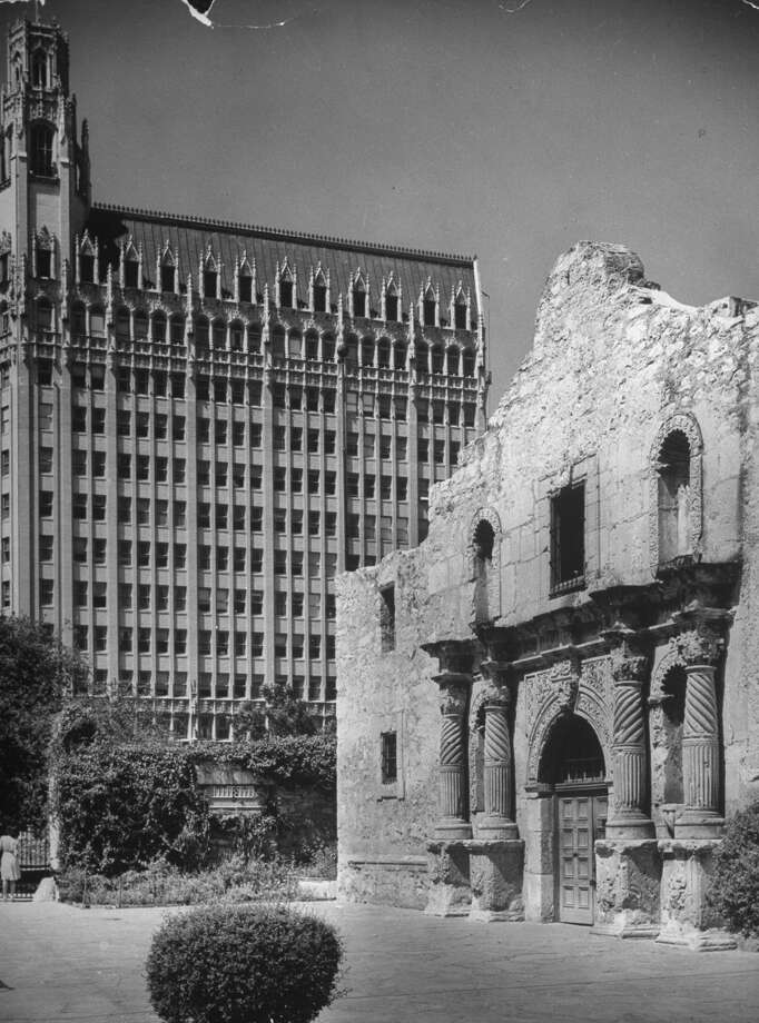 "Texas has the Alamo, which one New Yorker in the ""Daily Show"" clip stated as being forgettable. Don't blame Texas for your inability to remember a milestone in American history - blame the NYC public school system.  Photo: Alfred Eisenstaedt, Time & Life Pictures / Getty Images / Time Life Pictures"