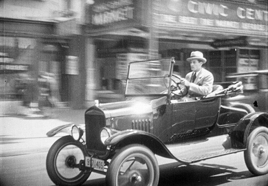 As part of the Silent Film Festival, The Last Edition, on Sunday, includes scenes shot in and around the San Francisco Chronicle building.
