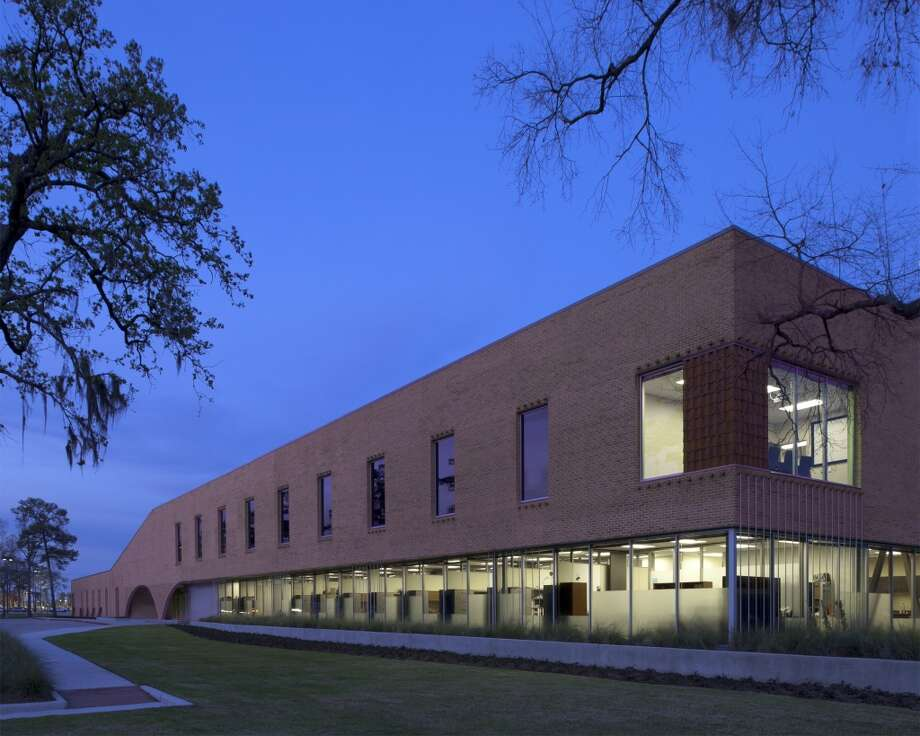 San Jacinto College North Campus Welcome Center by MORRIS (Architecture less than 50,000 sf)  ARCHITECTURAL DESIGN TEAM Douglas Oliver, Dean Barnes, William Truitt, Marsha Bowden, Jason Santeford, Craig Uptmor CLIENT OR DEVELOPER San Jacinto College  PHOTOGRAPHER Hester + Hardaway