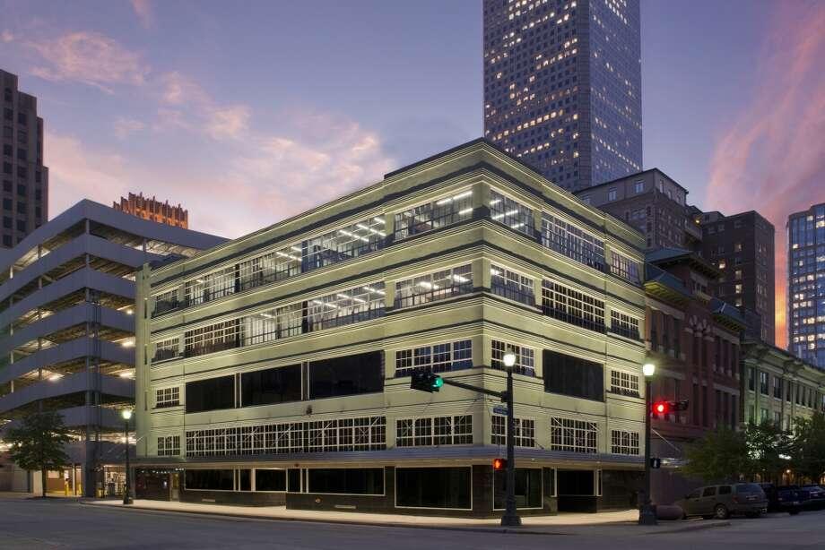 500 Fannin by Ziegler Cooper Architects (Renovation/Restoration)  ARCHITECTURAL DESIGN TEAM Ziegler Cooper Architects CLIENT OR DEVELOPER 500 Fannin  PHOTOGRAPHER John Lindy