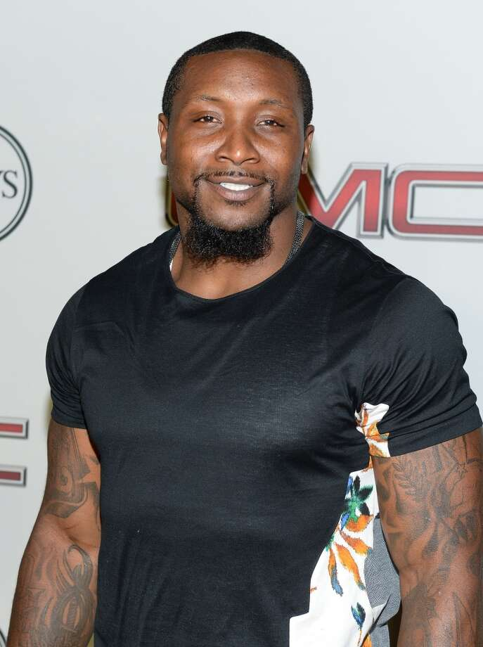 "Professional football player NaVorro Bowman attends ESPN the Magazine 5th annual ""Body Issue"" party at Lure on July 16, 2013 in Hollywood, California.  (Photo by Michael Kovac/WireImage)"