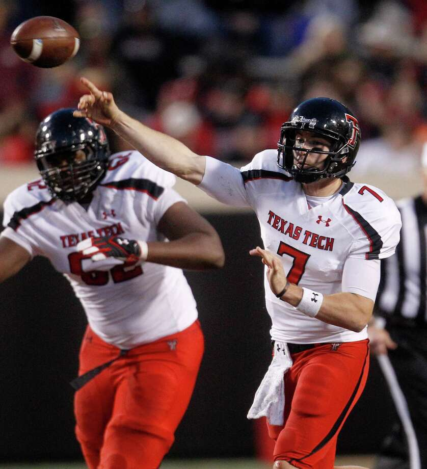 Texas Tech OL Le'Raven ClarkPHOTO: Texas Tech quarterback Seth Doege (7) passes in front of Clark (62) against Oklahoma State in Stillwater, Okla., Nov. 17, 2012. Photo: Sue Ogrocki, Associated Press / AP