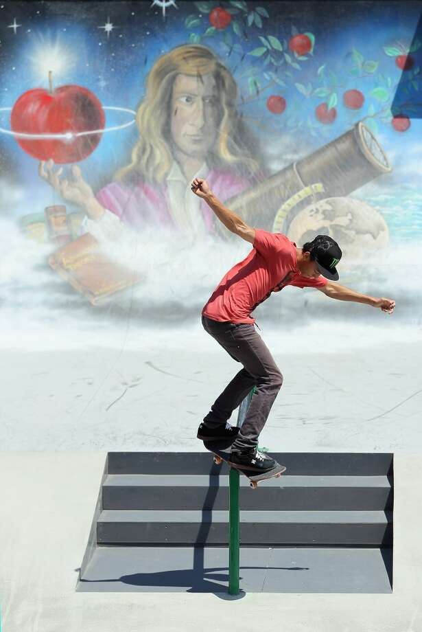 Best male action sport athlete - Nyjah Huston, skateboarding