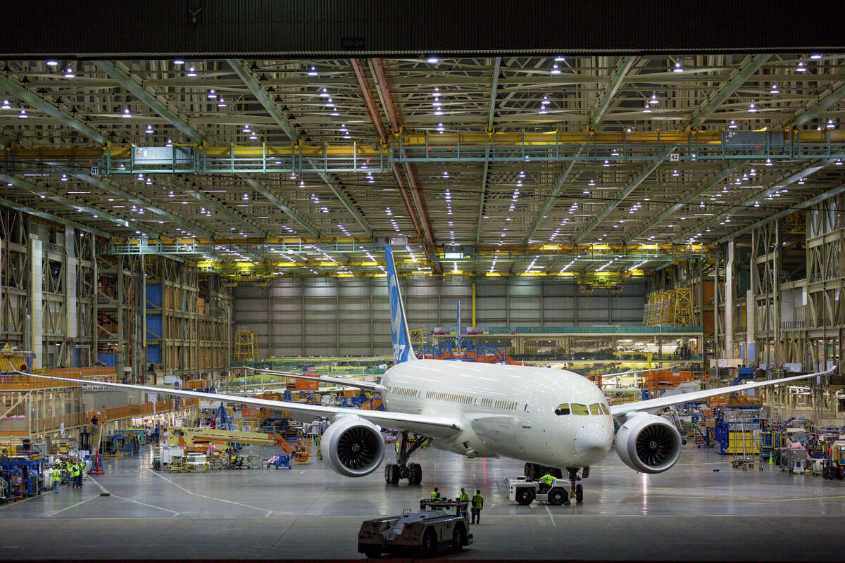 Boeing's Everett production facility is a whopping 472 million cubic feet, the world's largest building by volume.