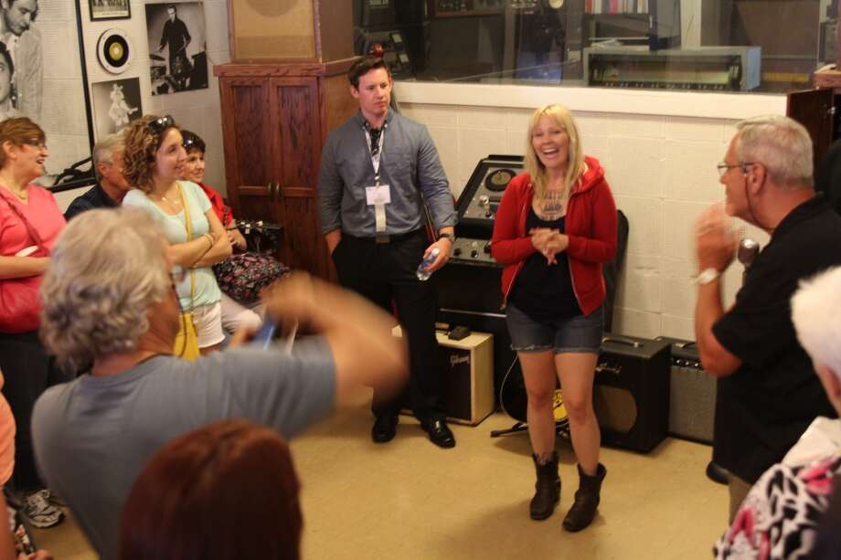 "Tour guide Jayne White explains how the ""Million Dollar Quartet"" came to record at Sun Studio."