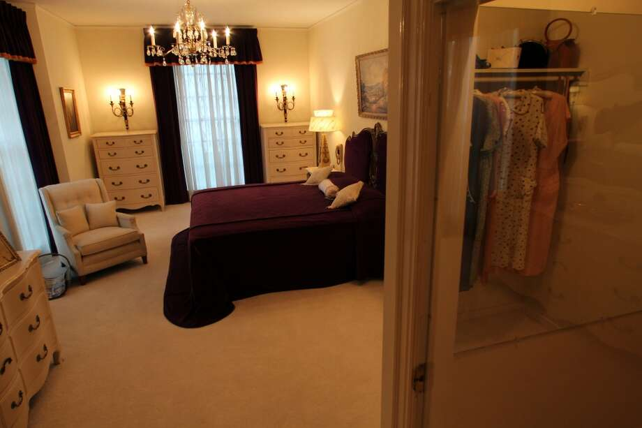 The room where Elvis' mother stayed while at Graceland in Memphis.