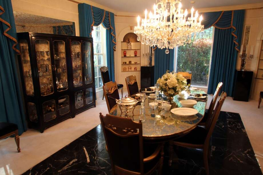 The main dining room at Graceland.