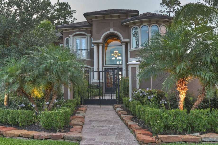 This Humble home featureseight bedrooms and bathrooms in more than 11,000 square feet of living space. The asking price is $2.9 million.