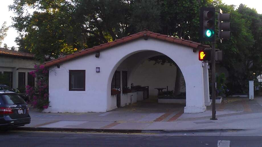 A bus stop or something-or-other in Ojai. First generation Spanish Revival: the details are right, the proportions are oddly bulbous.