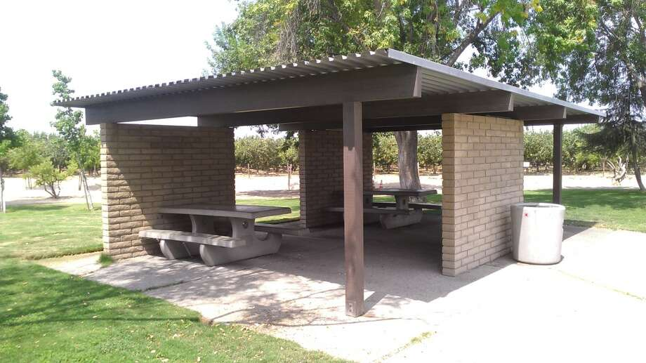 A Miesian picnic shelter at an I-5 rest stop.