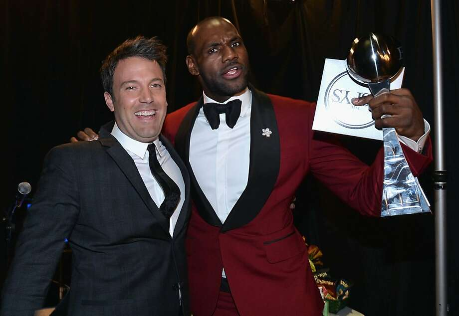 Actor/director Ben Affleck (L) and NBA player LeBron James, winner of the Best Male Athlete award, pose backstage at The 2013 ESPY Awards. Photo: Alberto E. Rodriguez, Getty Images For ESPY