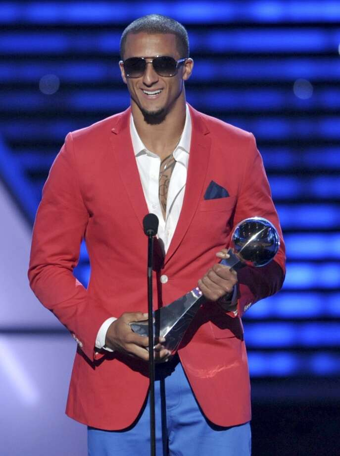 49ers QB Colin Kaepernick accepts the award for best breakthrough athlete.
