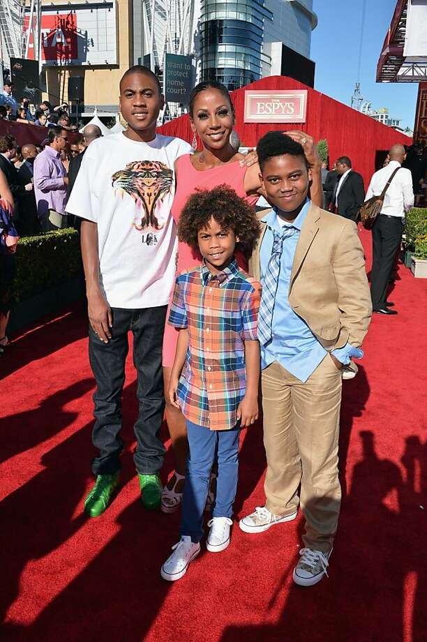 Actress Holly Robinson Peete (C) and family attend The 2013 ESPY Awards. Photo: Alberto E. Rodriguez, Getty Images For ESPY