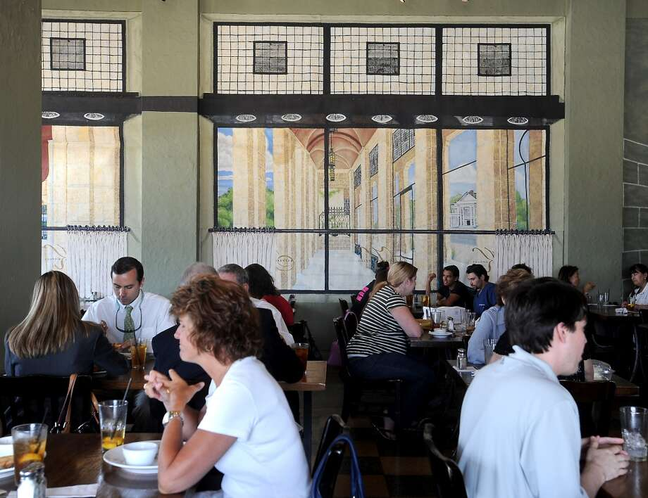 Diners enjoy a meal at Katherine and Company which is in the Mildred Building at the corner of Martin Luther King Blvd. and Calder in Beaumont.Tammy McKinley/The Enterprise